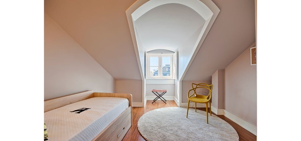 Lisbon Best Apartments - Chiado Camões Apartments - T2 Fam- Quarto