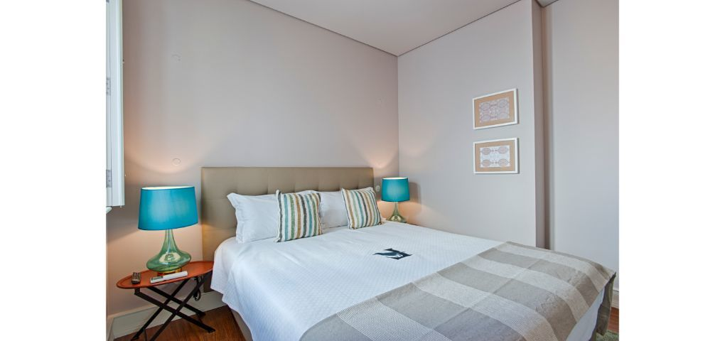 Lisbon Best Apartments - Chiado Camões Apartments - T2 Fam - Quarto