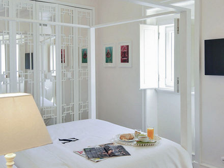 Lisbon Best Apartments -Chiado Trindade Apartments - T1 - Quarto